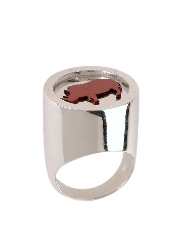 loroetu, big chevalier ring with rhino, anello rinoceronte
