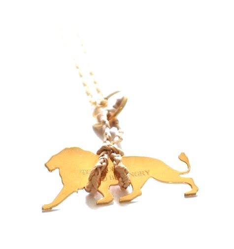 loroetu, dettaglio collana leone, lion necklace
