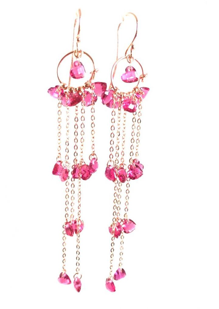 loroetu, orecchini chandelier fucsia, fuchsia chandelier earrings