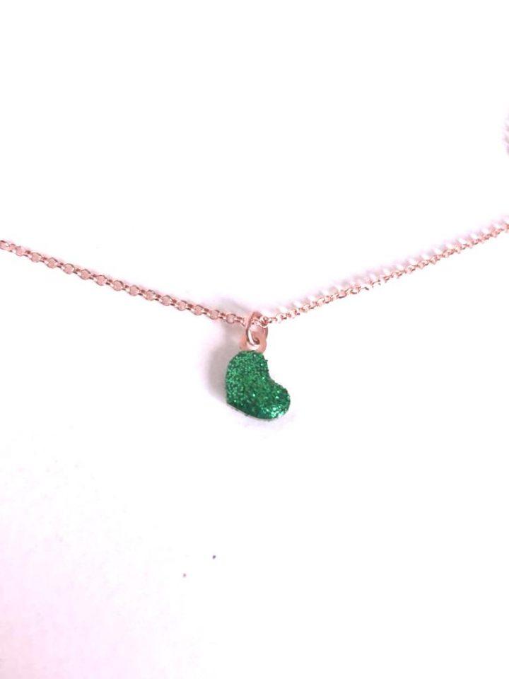 loroetu, collana con ciondolo a cuore e glitter verdi